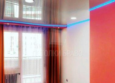 Глянцевый натяжной потолок с синей подсветкой НП-770 - фото 3