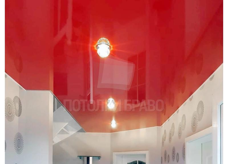 Красный глянцевый натяжной потолок для коридора НП-782