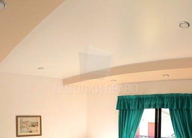 Матовый с точечными светильниками бежевый натяжной потолок НП-790