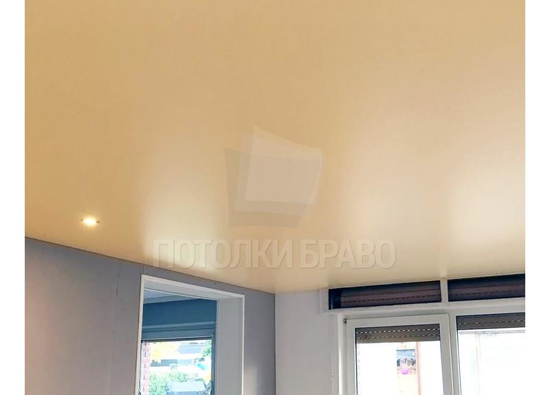Матовый желтый в комнату натяжной потолок НП-796