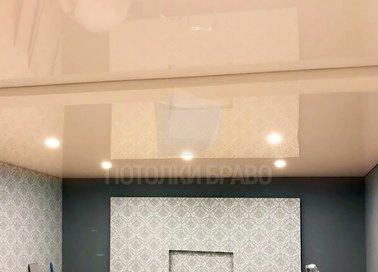 Глянцевый двухуровневый золотой натяжной потолок НП-799