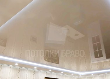 Бежевый глянцевый натяжной потолок с диодными лентами НП-804 - фото 2