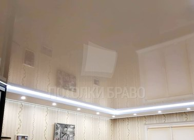 Бежевый глянцевый натяжной потолок с диодными лентами НП-804 - фото 4