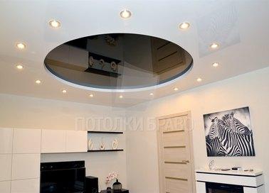 Белый глянцевый натяжной потолок с черным кругом НП-813 - фото 2