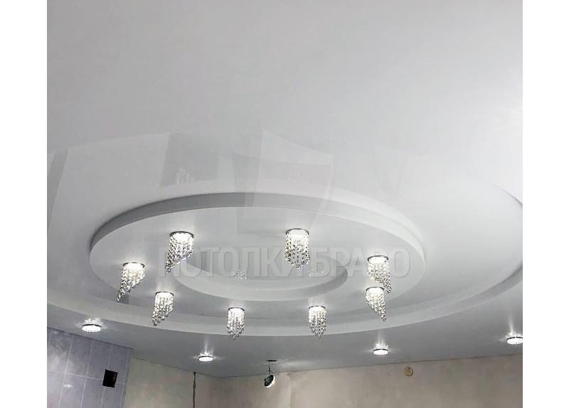 Двухуровневый сатиновый натяжной потолок со светильниками НП-837