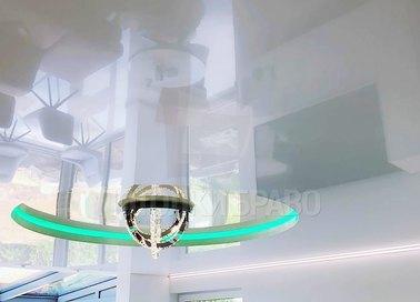 Глянцевый натяжной потолок в Дворцовом стиле и подсветкой НП-844 - фото 3