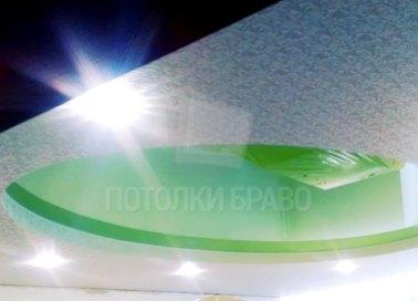 Салатовый натяжной потолок с узором под велюр НП-846