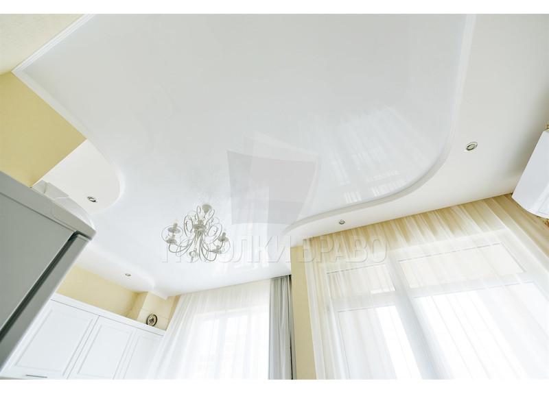 Волнообразный матовый натяжной потолок для кухни НП-867 - фото 2
