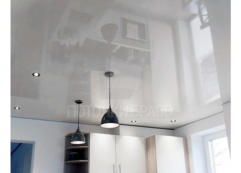 Зеркальный глянцевый натяжной потолок в стиле Лофт НП-871
