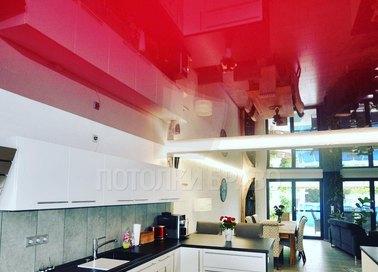Глянцевый красный натяжной потолок НП-877