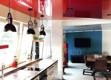 Современный глянцевый красный натяжной потолок НП-902 - фото 2