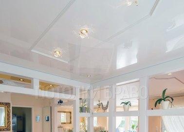 Глянцевый белый натяжной потолок для кухни НП-911