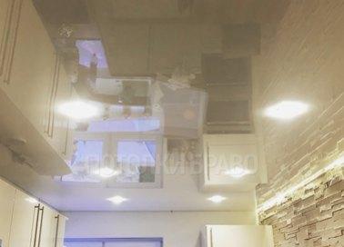 Золотой глянцевый натяжной потолок для кухни НП-918