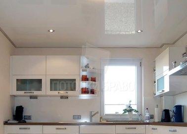Глянцевый натяжной потолок в кухню НП-929 - фото 2