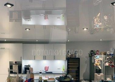 Глянцевый натяжной потолок в кухню НП-929