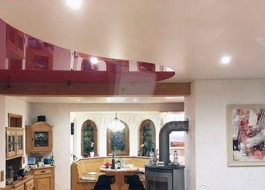 Красно-белый волнообразный натяжной потолок НП-938