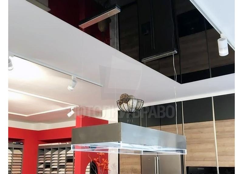 Современный черно-белый глянцевый натяжной потолок НП-942