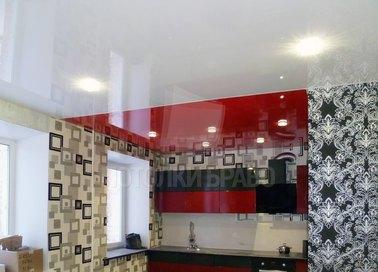 Красно-белый глянцевый натяжной потолок для кухни НП-949