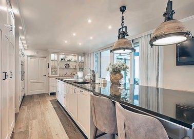 Белый матовый натяжной потолок для кухни НП-972