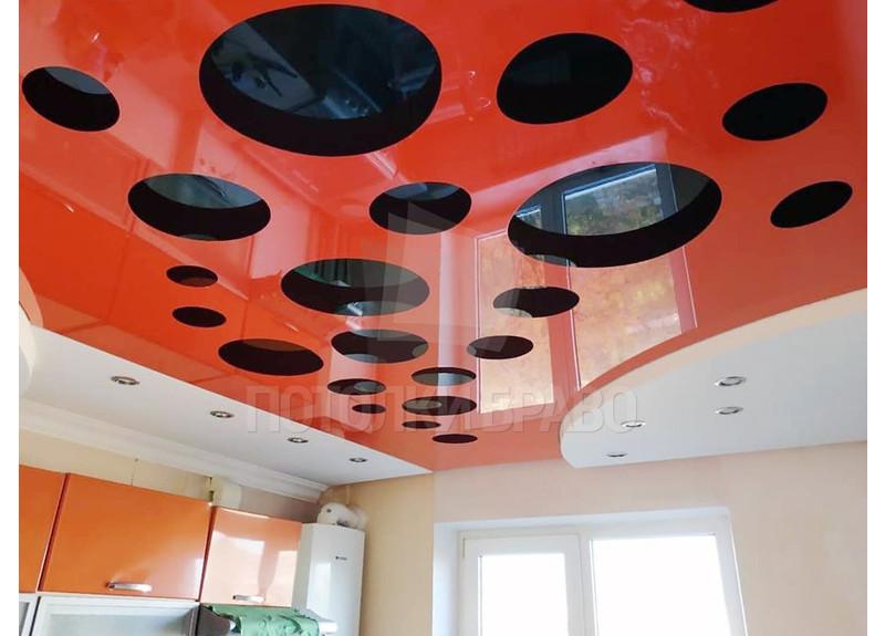 Глянцевый натяжной потолок в красно-черном дизайне НП-976 - фото 2