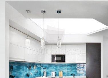 Матовый Г-образный натяжной потолок для кухни НП-980