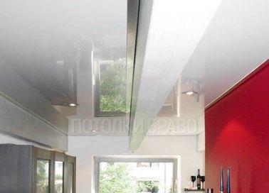 Белый глянцевый натяжной потолок с точечной подсветкой НП-982