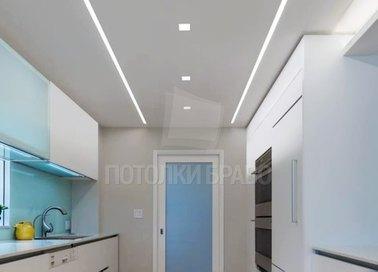 Белый матовый натяжной потолок с подсветкой для кухни НП-984