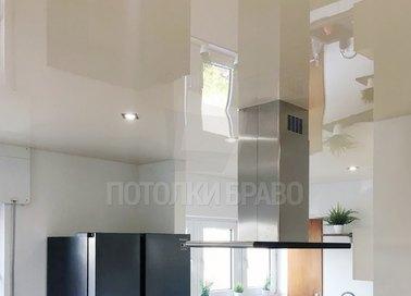 Белый глянцевый натяжной потолок для кухни НП-986 - фото 3