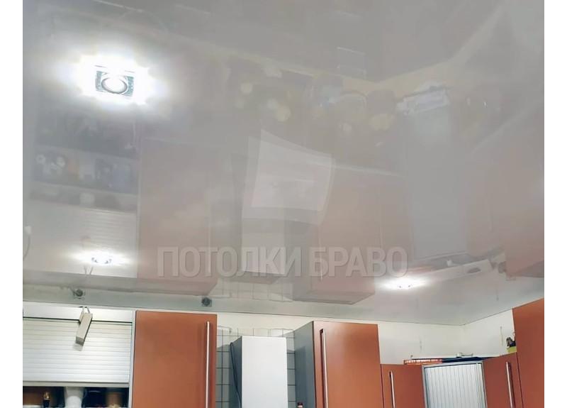 Белый глянцевый натяжной потолок для кухни НП-1002 - фото 2