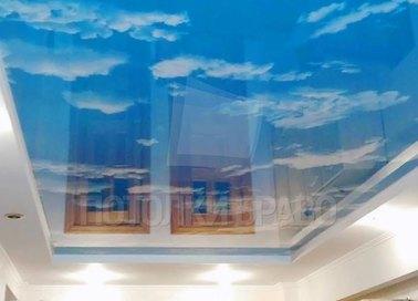 Глянцевый натяжной потолок для коридора НП-1020