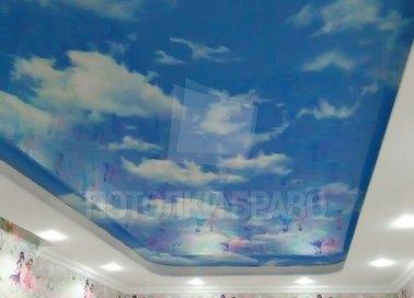 Небесный глянцевый натяжной потолок НП-1026