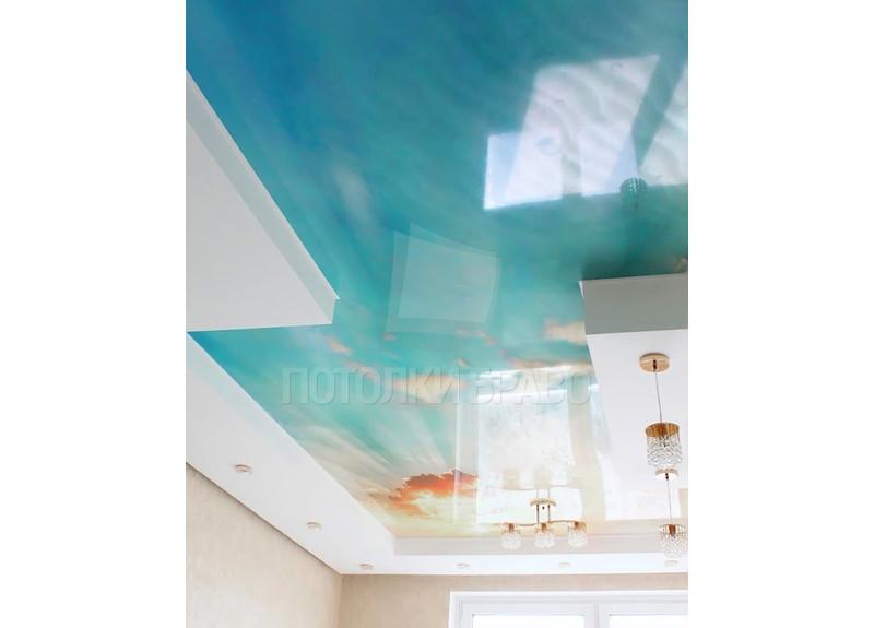 Глянцевый пляжный натяжной потолок НП-1052