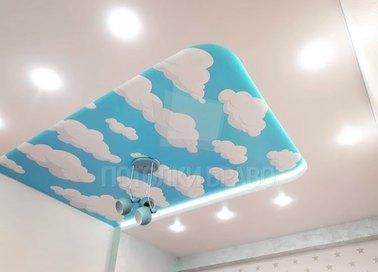Матовый двухуровневый с облаками натяжной потолок НП-1054