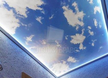 Матовый небесный натяжной потолок с голубой подсветкой НП-1069