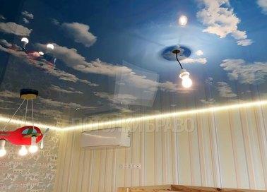 Небесный натяжной потолок с желтой подсветкой НП-1088 - фото 2