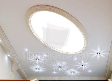 Матовый натяжной потолок с овальным светильником НП-1117