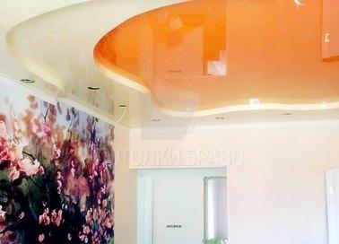 Желто-оранжевый двухуровневый натяжной потолок НП-1118