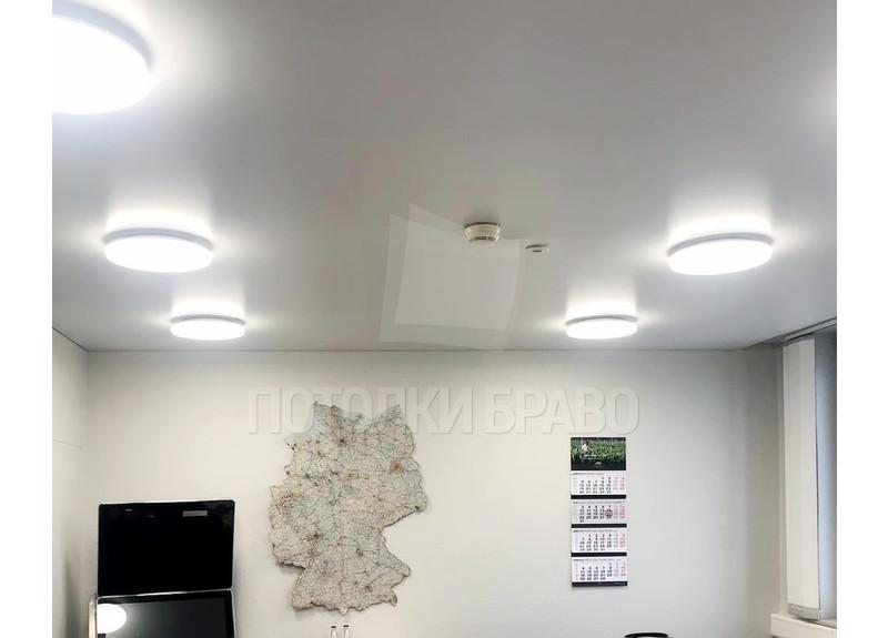 Белый матовый натяжной потолок для офиса НП-1134