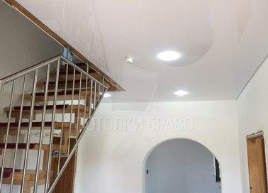 Глянцевый натяжной потолок в стиле Лофт для коридора НП-1144 - фото 2