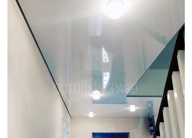 Белоснежный глянцевый натяжной потолок НП-1147