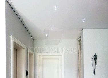 Классический матовый натяжной потолок для прихожей НП-1165