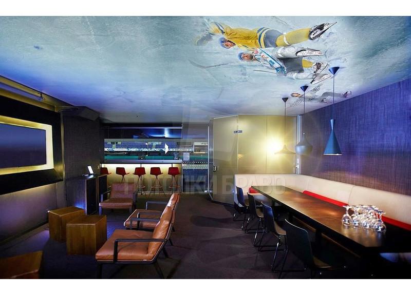 Матовый натяжной потолок с рисунком хоккеистов НП-1203