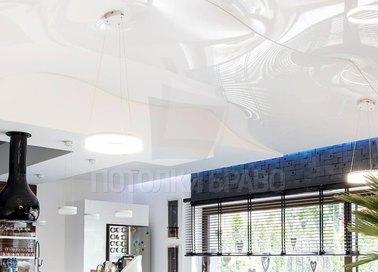 Необычный белый глянцевый натяжной потолок НП-1208 - фото 2