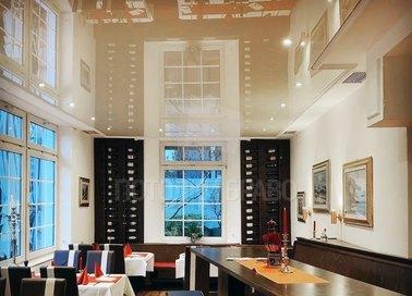 Матовый-глянцевый коричневый натяжной потолок для ресторана НП-1221