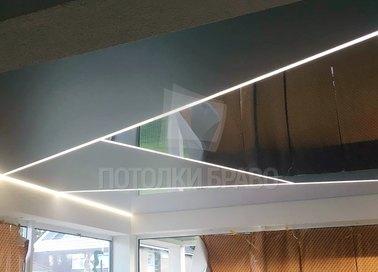 Черный матово-глянцевый натяжной потолок с LED для комнаты НП-1238