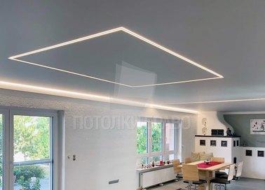 Белый матовый натяжной потолок с подсветкой для комнаты НП-983 - фото 2