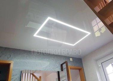 Натяжной потолок со светодиодами в виде четырехугольника НП-1253