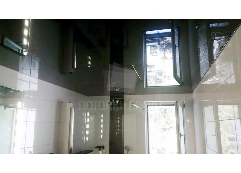 Черный глянцевый натяжной потолок для ванной НП-1273