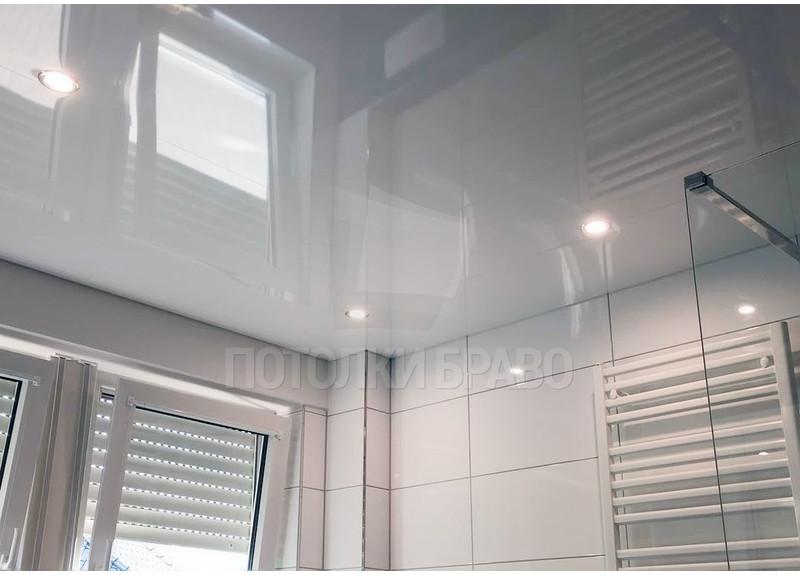 Глянцевый натяжной потолок для ванной НП-1274
