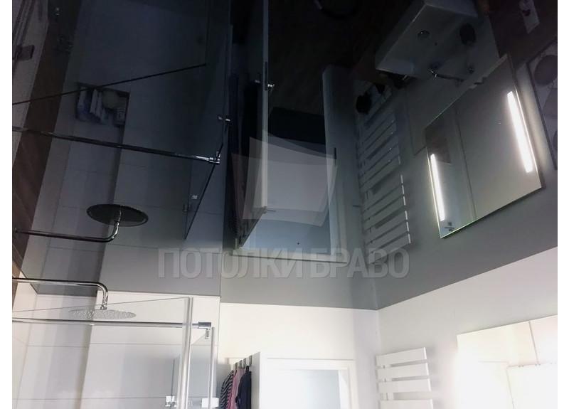 Глянцевый черный натяжной потолок для ванной комнаты НП-1287